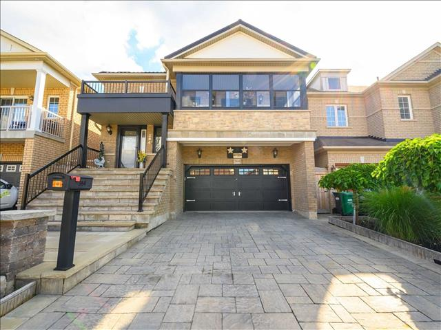 364 Queen Mary Dr